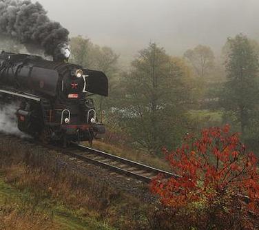 trenul-toamnei