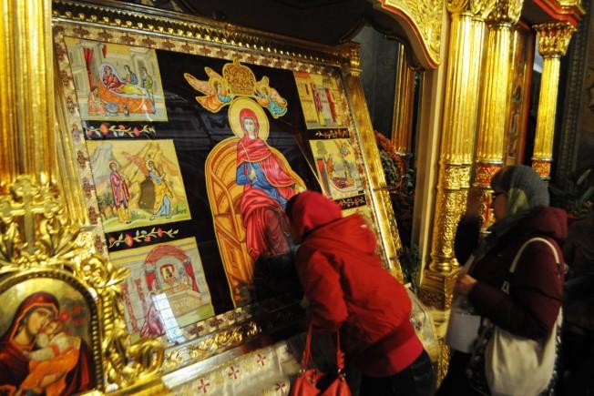 icoana brodata a Sfintei Parascheva